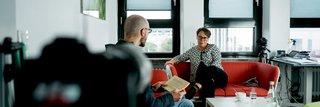 image of CERES-Mitarbeiter interviewt RUB-Kanzlerin