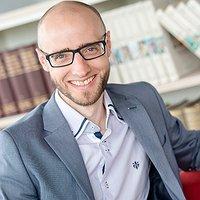 image of Dr. Frederik Elwert